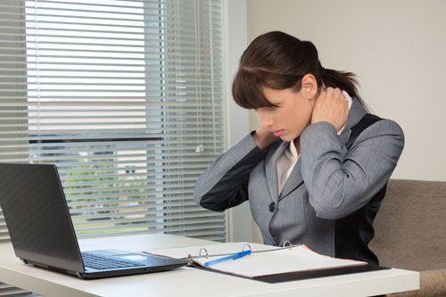 Kontorskuldre-massage-middelfart